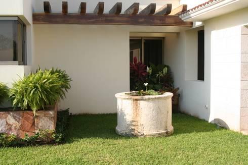 PEQUEÑOS RINCONES: Jardines de estilo rústico por EcoEntorno Paisajismo Urbano