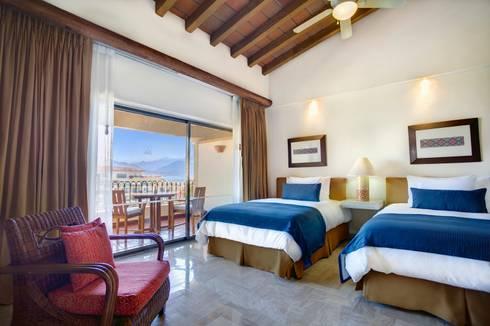 Habitación de Lujo Ocean View.: Recámaras de estilo ecléctico por MC Design
