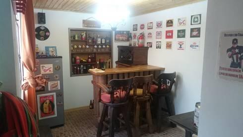 Bar familiar personalizado.: Hogar de estilo  por MVP arquitectos