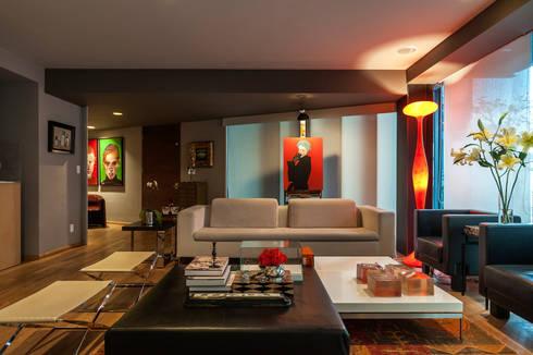 Sala II: Salas de estilo ecléctico por MAAD arquitectura y diseño