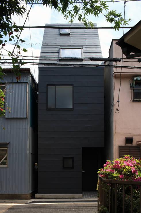 Houses by 濱嵜良実+株式会社 浜﨑工務店一級建築士事務所