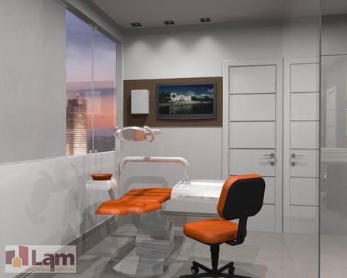 Sala  de Trabalho - Projeto:   por LAM Arquitetura | Interiores