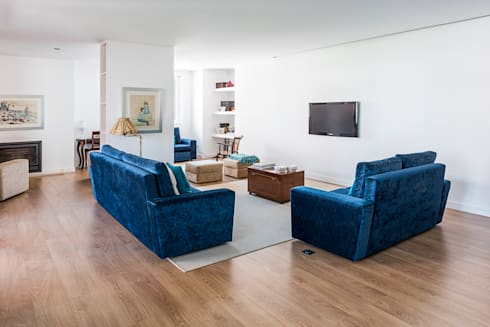 Remodelação AMH: Salas de estar modernas por Ponto Cúbico