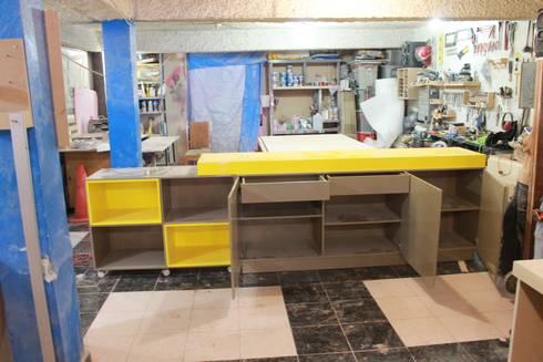 Bufetero: Comedor de estilo  por Nesign - Diseño y fabricación de muebles.