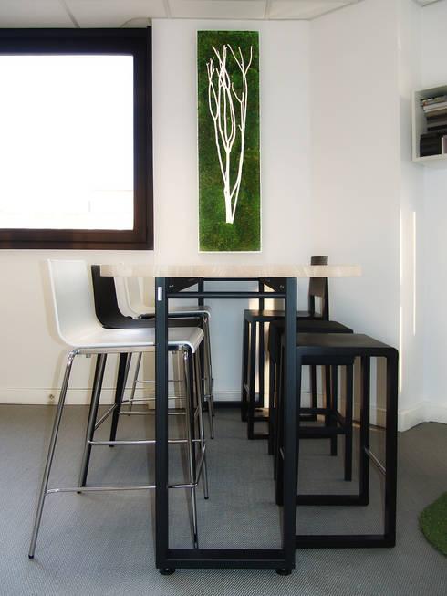Tableau végétal: Paysagisme d'intérieur de style  par Adventive