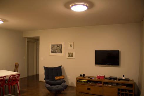 ambientação de sala de estar: Salas de estar modernas por ARM ARQUITETURA E URBANISMO