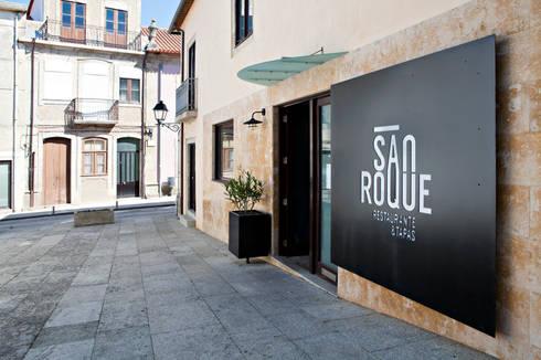 RESTAURANTE S.ROQUE – Remodelação: Espaços de restauração  por A2OFFICE