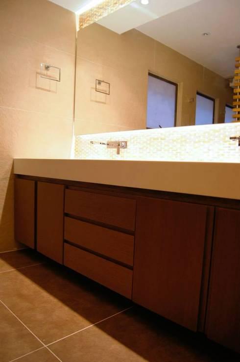 Mueble Baño : Baños de estilo clásico por MARECO DESIGN S.A.S