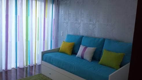 Apartamento T2: Escritório  por Decoracoes Gina, Lda