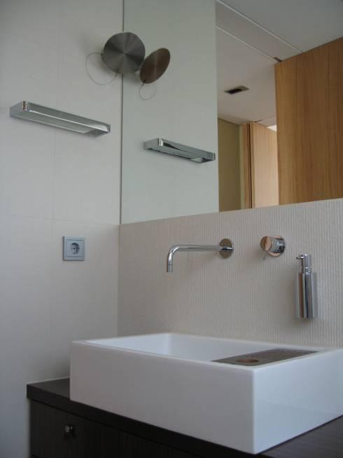 Projecto de Interiores | Remodelação integral de habitação:   por  IDesign.art by Paula Gouveia