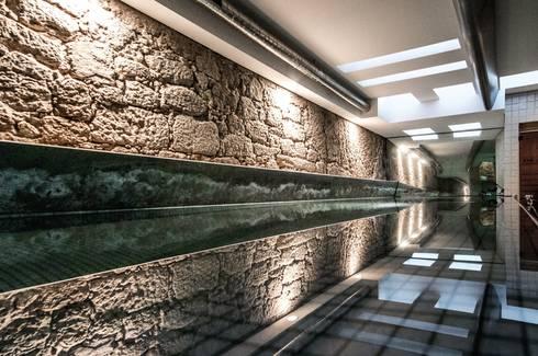 <q class='-first'>Pier 67</q> : Ginásios modernos por Arpadór,  Arquitectos e Associados, lda