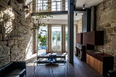 <q class='-first'>Pier 67</q> : Jardins de Inverno modernos por Arpadór,  Arquitectos e Associados, lda