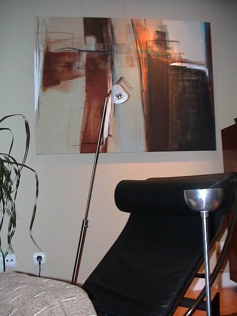 Atmosferas | Projecto de Interiores Paula Gouveia: Salas de estar ecléticas por  IDesign.art by Paula Gouveia