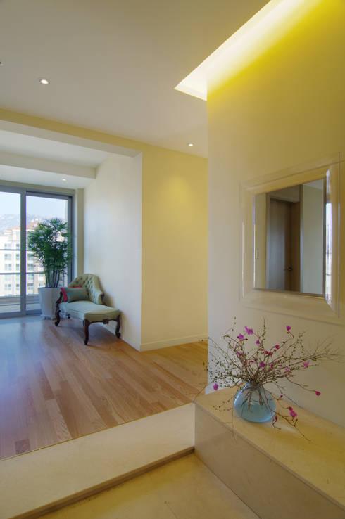 Corridor & hallway by Design A3