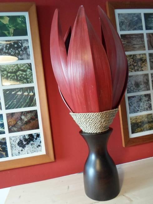 palmenblatt lampe in rot von moroder design homify. Black Bedroom Furniture Sets. Home Design Ideas