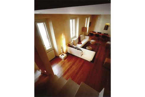 Donizzetti: Soggiorno in stile in stile Minimalista di Spagnulo & Partners