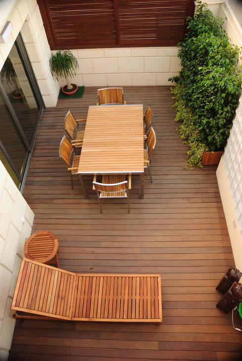 Ático - duplex en Murcia: Terrazas de estilo  de Rosa Sánchez Arquitectura de interior