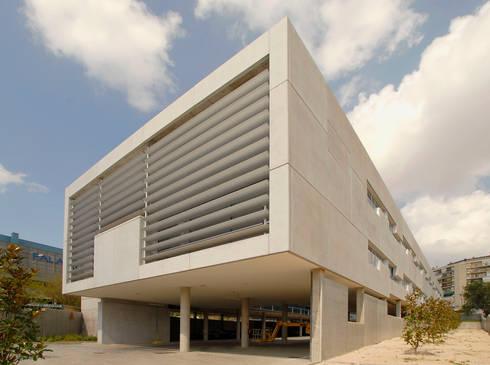 Centro de salud silvano madrid de beades arquitectos s - Centro de salud merida ...