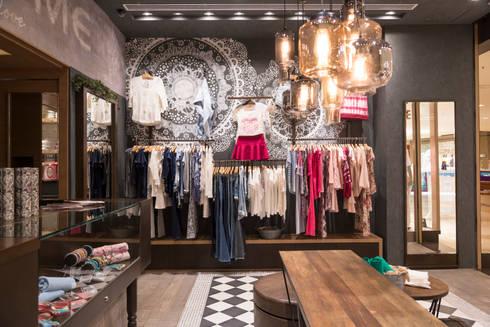 Văn phòng & cửa hàng by Denise Barretto Arquitetura