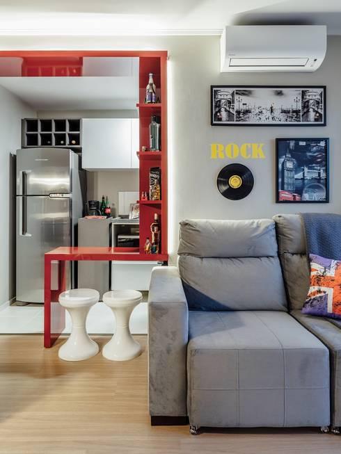 Livings de estilo  por Ambientta Arquitetura
