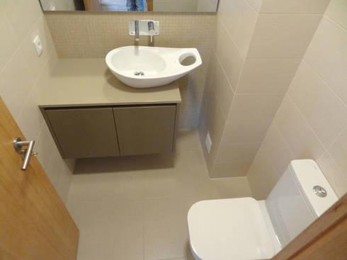 Casa de Banho Social: Casas de banho modernas por Happy Ideas At Home - Arquitetura e Remodelação de Interiores