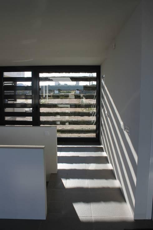 woonhuis in caramujeira:   door Chitekt