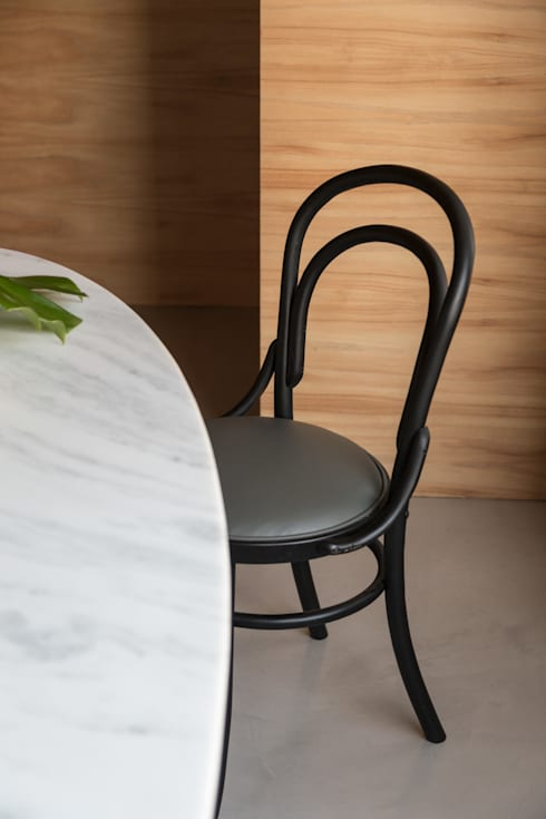 APARTAMENTO ABC : Salas de jantar minimalistas por AMBIDESTRO