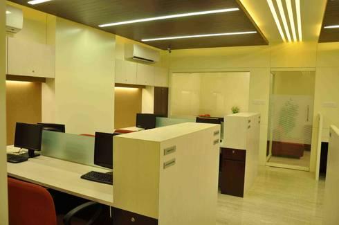 IFSS Office @Sayaji Path,Baroda:  Offices & stores by SkyGreen Interior