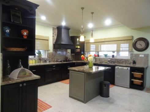 Victorian interiors.: modern Kitchen by Freelance Designer
