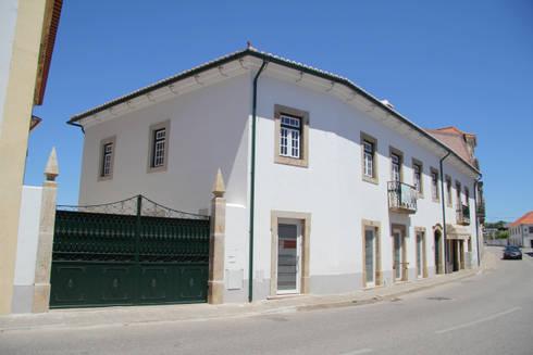 A fachada atual:   por Nrtb Arquitectos