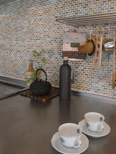 勝どきマンションリフォーム: ヤマトヒロミ設計室が手掛けたキッチンです。