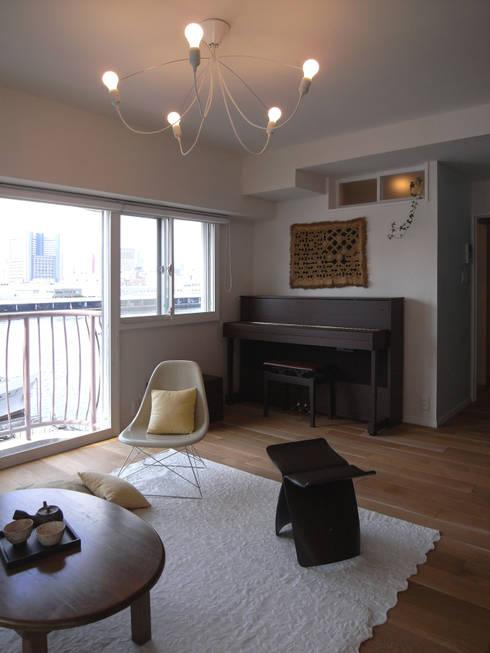 Living room by ヤマトヒロミ設計室