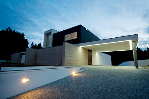 Casa Covelo : Casas minimalistas por mioconcept