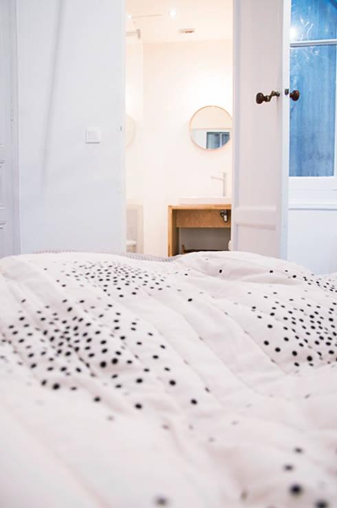 Appartement Le Cheverus: Chambre de style de style Scandinave par Cécilia Cretté architecte