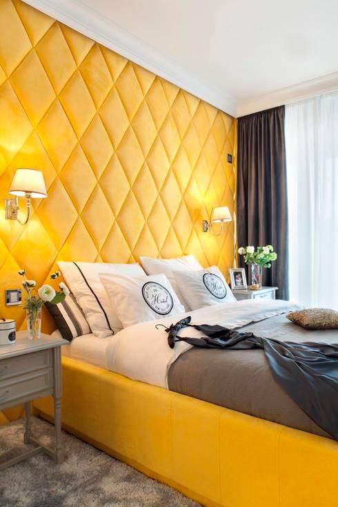 Szaro biały apartament na Powiślu: styl , w kategorii Sypialnia zaprojektowany przez Katarzyna Kraszewska Architektura Wnętrz