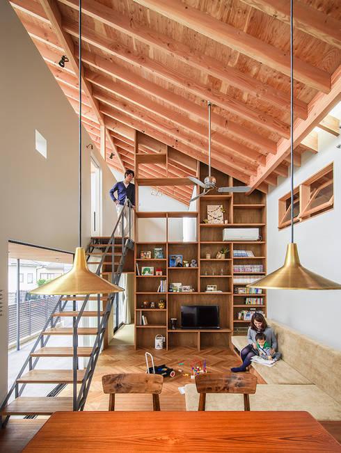 Salas / recibidores de estilo  por nobuyoshi hayashi