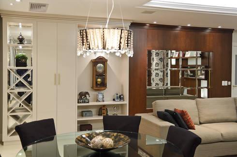 ESTAR | JANTAR – APARTAMENTO RIO BRANCO: Sala de jantar  por Ana Levy | Arquitetura + Interiores