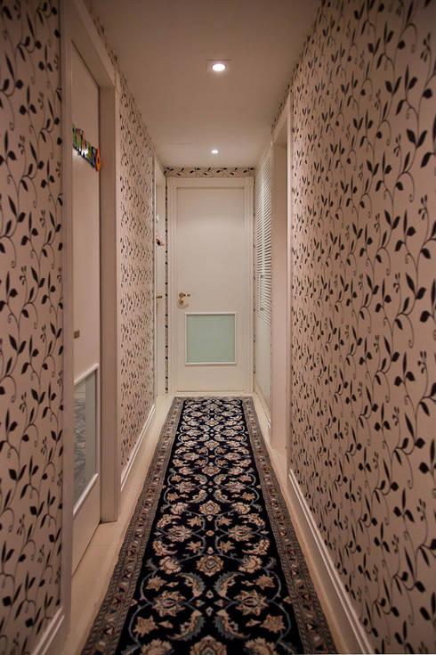 Circulação íntima : Corredores e halls de entrada  por Ana Levy | Arquitetura + Interiores