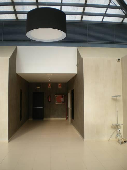 Hall trade center sant cugat de marc p rez interiorismo - Trade center sant cugat ...