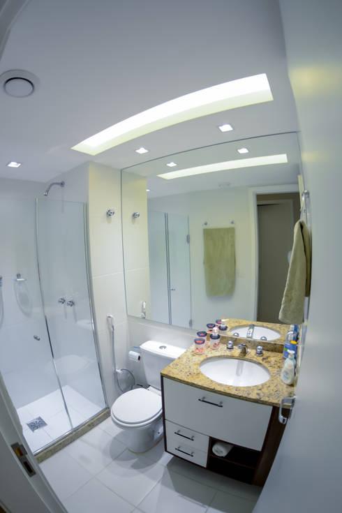 Banheiro Social: Banheiros modernos por Millena Miranda Arquitetura