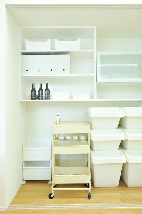 キッチン収納: ERI設計室が手掛けたキッチンです。