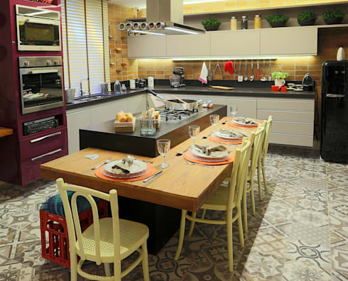 Cozinha e Jantar do Chef - Mostra Morar Mais Vitoria 2014: Cozinhas modernas por Lorrayne Zucolotto Arquitetura