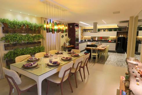 Cozinha e Jantar do Chef - Mostra Morar Mais Vitoria 2014: Salas de jantar modernas por Lorrayne Zucolotto Arquitetura