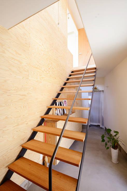 Corridor & hallway by アーキライン一級建築士事務所