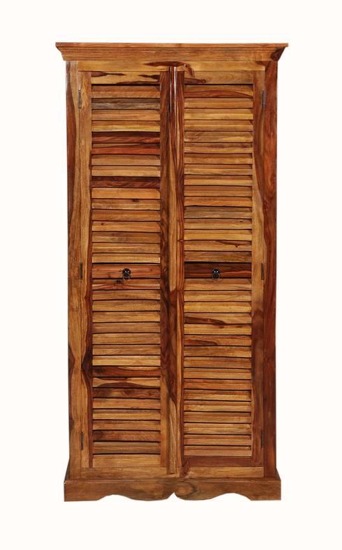 kolonial akten kleider schr nke de kolonial living homify. Black Bedroom Furniture Sets. Home Design Ideas