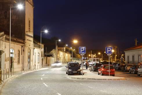Estrada da Estação, Santarém – Qualidade que se paga a si própria: Espaços comerciais  por Aura Light
