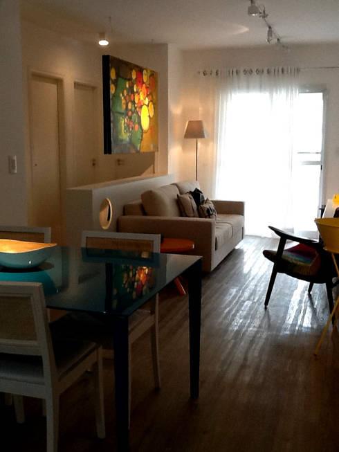 Design de Interiores: Salas de estar modernas por karen viegas arquitetura e gerenciamento
