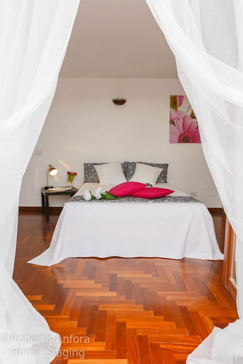 DOPO Zona Notte:  in stile  di StageRô by Roberta Anfora - Home Staging & Photography