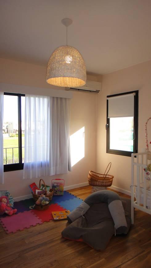 Dormitorios infantiles de estilo  por 2424 ARQUITECTURA