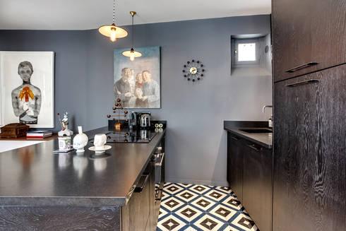 appartement boheme chic au masculin par cristina velani. Black Bedroom Furniture Sets. Home Design Ideas